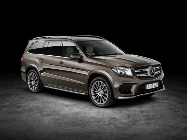 2017-Mercedes-GLS-1