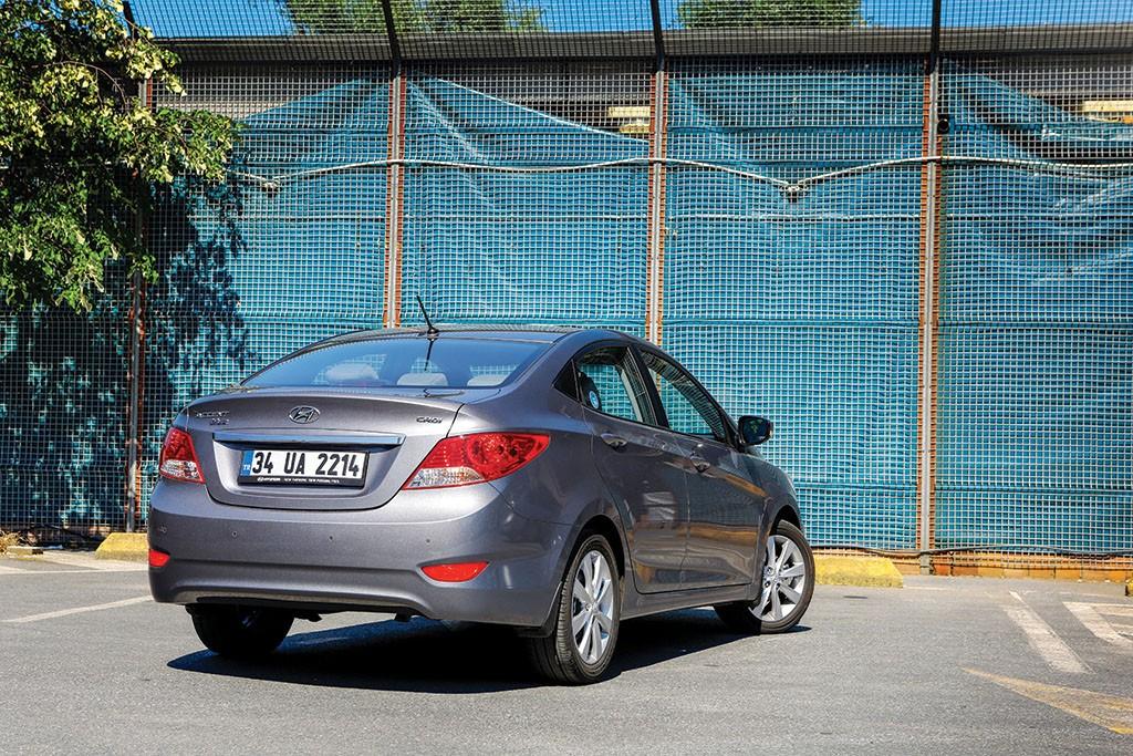 Hyundai-Accent-test2