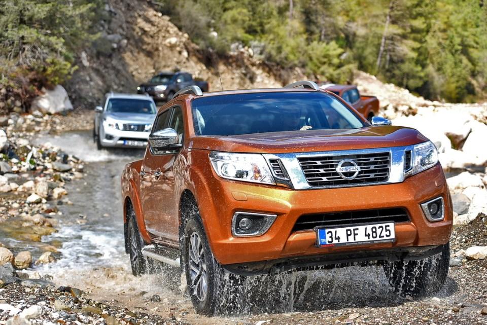 Yenilenen Nissan Navara Yollara Çıktı | Otomobilkolik