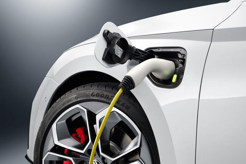 Skoda Octavia Rs İlk Kez Plug-In Hybrid Olarak Sunulacak | Otomobilkolik