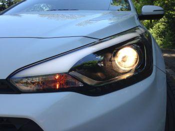 Yeni-Hyundai-i20-1.4-CRDI-ön-far