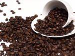 溢れんばかりのというか溢れたコーヒー豆のイメージ