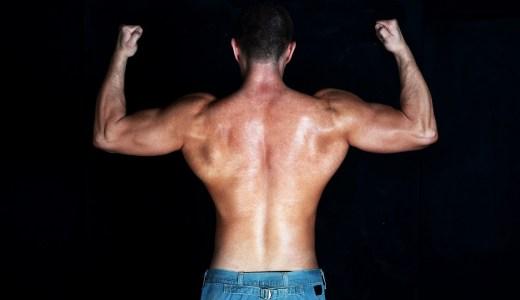 ベンチプレス 挙上重量を上げるためにブリッジを高くすると腰を痛めます! どこまで攻めるのが正解なの?