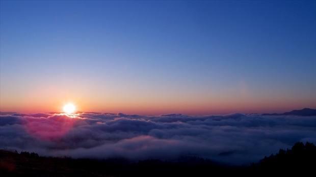 美幌峠から見る屈斜路湖の雲海 出典:https://hokkaido-labo.com/