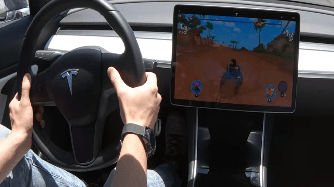 Tesla spēle