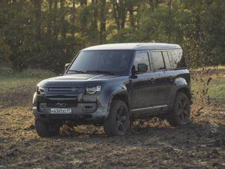 uus Land Roveri kaitsja läbib seekord range james bond-testi