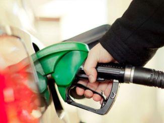 Benzin Fiyatlarına İndirim Yapıldı