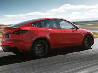 Funkcia inteligentného parkovania sa tento rok dostane do vozidiel Tesla