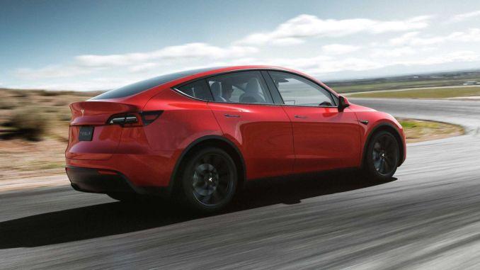 Bu Yıl Tesla Araçlara Akıllı Park Özelliği Geliyor
