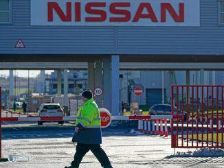Nissan İngiltere ve İspanya Fabrikalarını Açmak İçin Hazırlanıyor