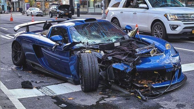 Porsche Carrera GT Accident