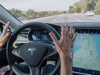 Red Light and Plate Update Has Arrived for Tesla Branded Vehicles