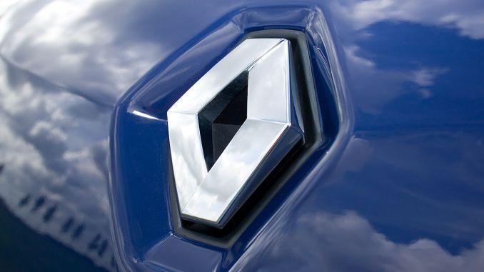 Renault dismisses 400 employees