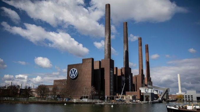Volkswagen Dismisses 450 Employees