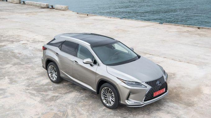 Lexus RX SUV turkey renewed in showrooms