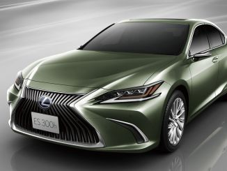 Lexus, world-first digital aynay offered for sale in Turkey