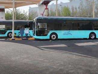 nilagdaan ng abb ang pinakamalaking kontrata sa proyekto ng imprastraktura ng electric bus sa qatar