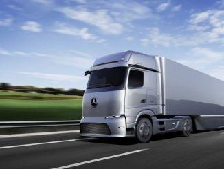 משאית דיימלר תפתח סוללות מיוחדות למשאיות יחד עם רשת וקטל