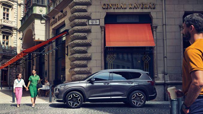 Pinapalawak ng Hyundai Assan ang pamilya ng SUV kasama si Santa Fe