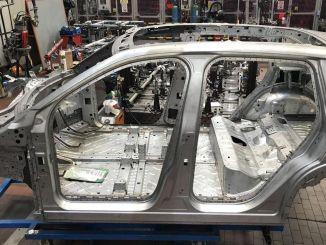Napravljen je prvi sklop karoserije tog domaćeg automobila