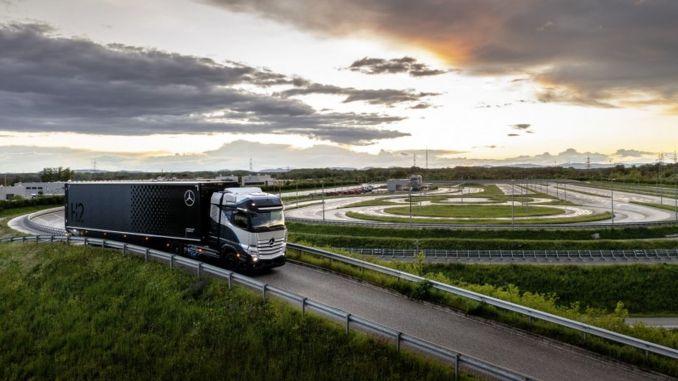 daimler truck ve shell yakit hucreli kamyonlar konusunda is birligi yapiyor