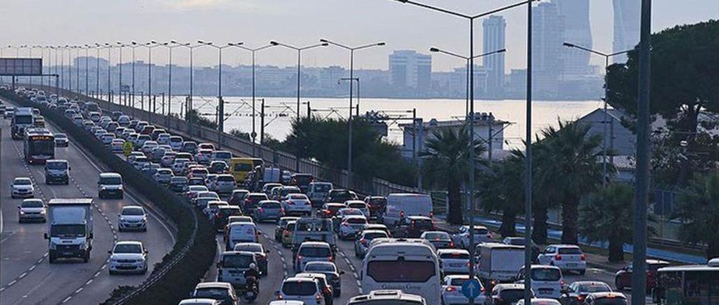 מספר הרכבים הרשומים לתנועה באיזמיר הגיע למיליון אלף נכון לאוגוסט