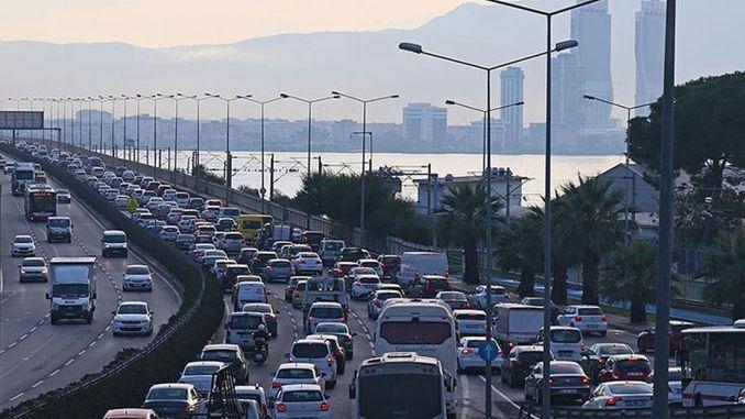 izmirde trafige kayitli arac sayisi agustos ayi itibariyla milyon bin oldu