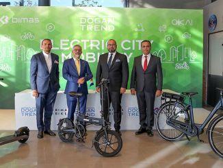 קורקינט אופניים חשמליות בתא מטען zamani