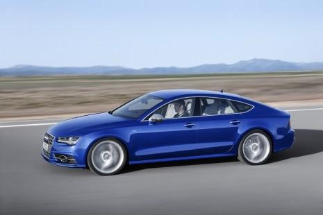 2015-Audi-S7-10