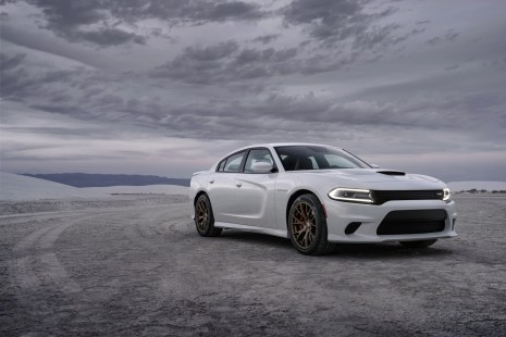 2015-Dodge-Charger-Hellcat-SRT-22