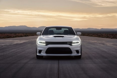 2015-Dodge-Charger-Hellcat-SRT-32