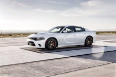 2015-Dodge-Charger-Hellcat-SRT-39