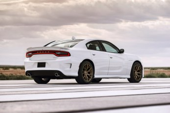 2015-Dodge-Charger-Hellcat-SRT-72