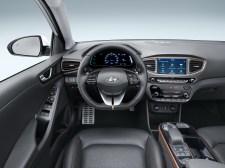 2016-Hyundai-Ioniq-Electric-10
