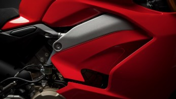 ducati-panigale-v4-unveiled-4
