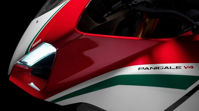 ducati-panigale-v4-unveiled-8