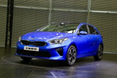2018-kia-ceed-hatch-unveiled-61