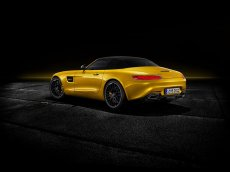 2019-mercedes-amg-gt-s-roadster-9