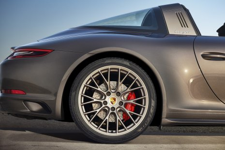 328e7a0b-porsche-911-targa-4-gts-exclusive-manufaktur-edition-1