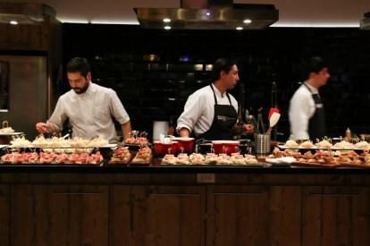 1. Los cocineros del Kitchen Club prepararon las tapas en vivo.-1024x682