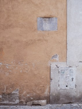 """Another centuries-old inscription prohibiting """"any kind of person"""" from throwing or leaving trash here."""