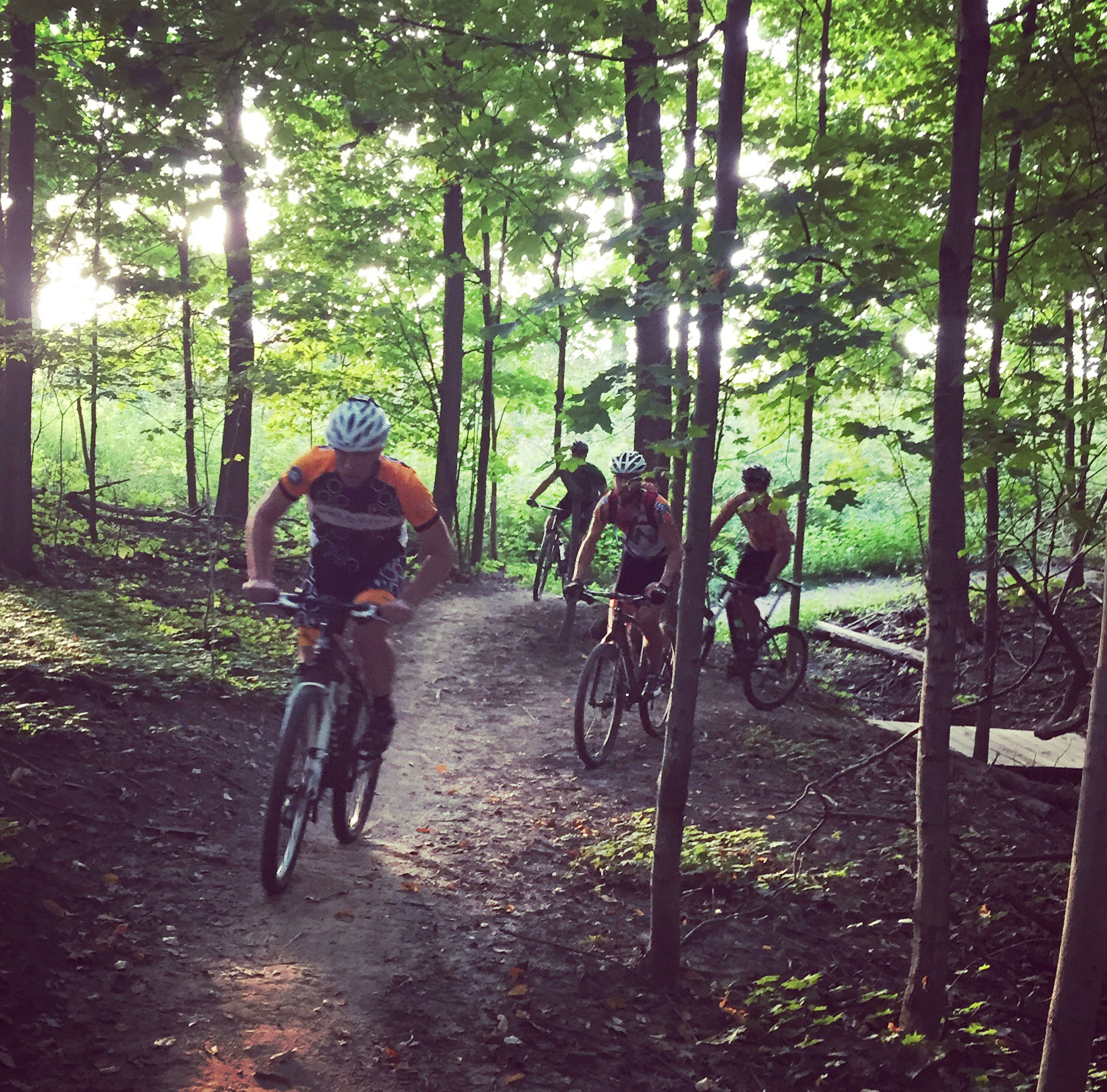 mountain-bikers-at-upper-mac