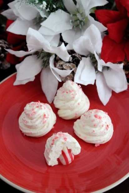 Delicious Peppermint Meringue Cookies