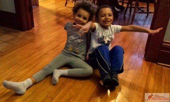 Ottawa_Mommy_Club_Bodhi_Tree_Kids_Pose_Photo_11022015