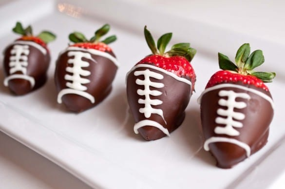 Chocolate-strawberries121-585x388