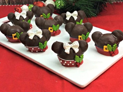 Adorable Mickey and Minnie Christmas Cake Balls Recipe
