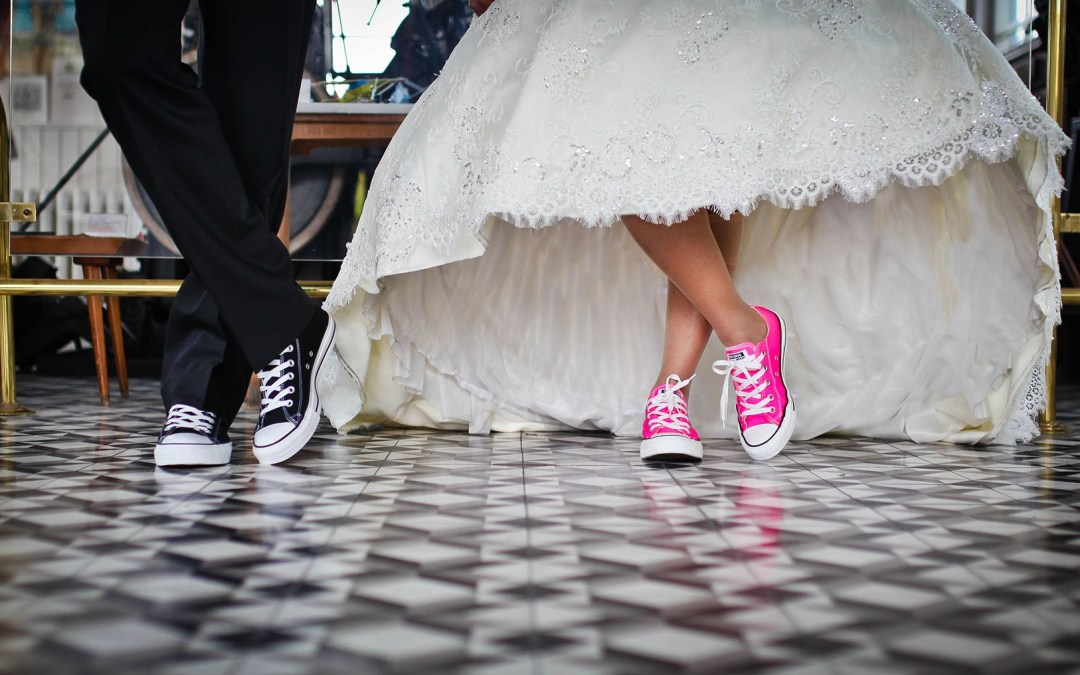10 Tips for Planning a Wedding on a Small Budget