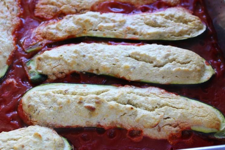 vegan für alle: zucchinischiffchen auf roter see (fettarm ... - Schnelle Küche Für Gäste
