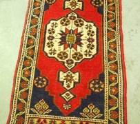 Fine quality Turkish Wool hand knotted carpet from Taspinar. Approximately 30 years old