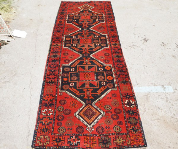 Double knotted hand made wool on wool Turkish carpet Kurdish from Gaziantep, approximately 60 years old